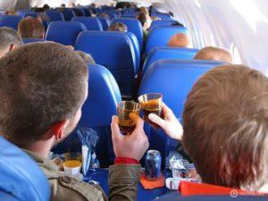 Госдума приняла законопроекты о «черном списке авиадебоширов»